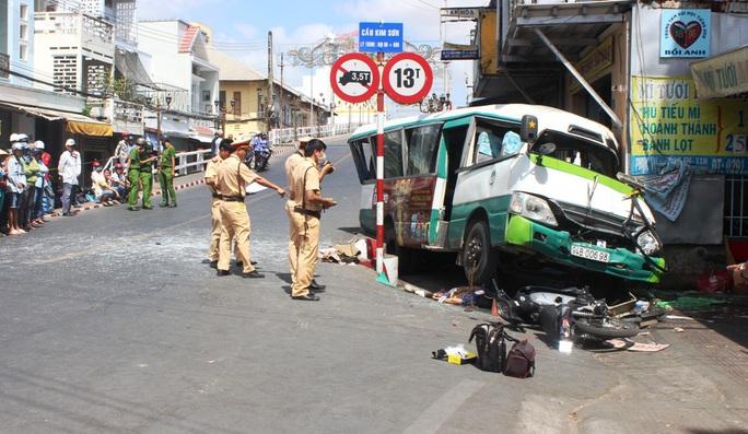 Xót thương hoàn cảnh gia đình ông lão bị xe bus tông tử vong - Ảnh 2.
