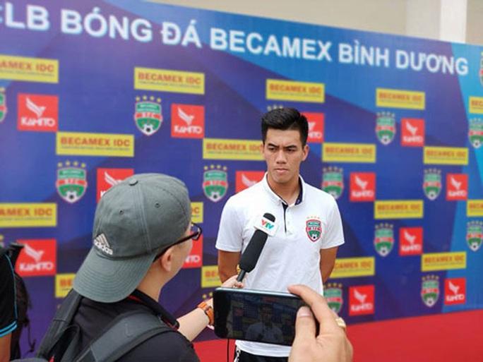 AFC quyết định lùi trận Malaysia - Việt Nam sang tháng 10 - Ảnh 1.