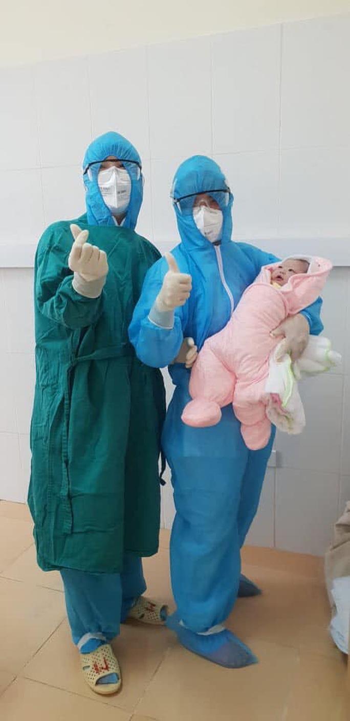 Sản phụ đang cách ly do Covid-19 ở Hà Nội sinh con 3,1 kg - Ảnh 2.