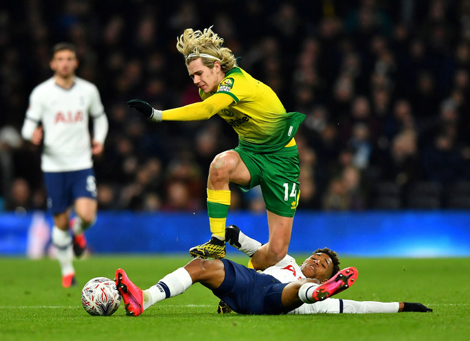 Người nhện thành tội đồ, Tottenham bị loại sốc ở FA Cup - Ảnh 2.