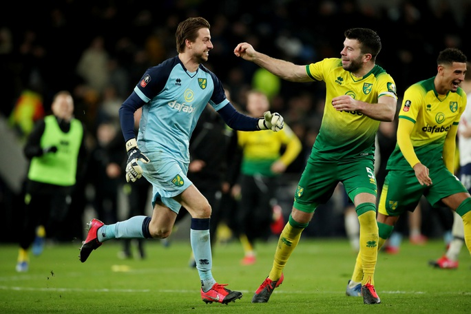 Người nhện thành tội đồ, Tottenham bị loại sốc ở FA Cup - Ảnh 6.