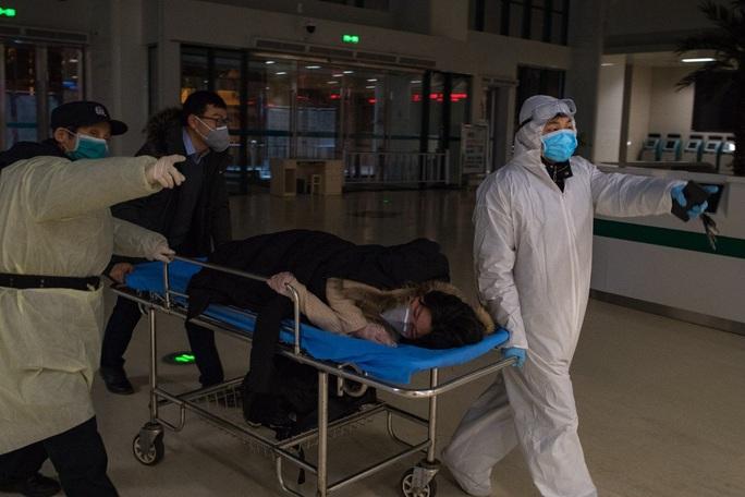 Người đàn ông tử vong vì Covid-19 sau khi xuất viện 5 ngày - Ảnh 1.