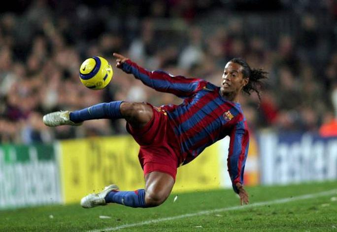 Ronaldinho bị bắt ở Paraguay vì dùng hộ chiếu giả  - Ảnh 2.