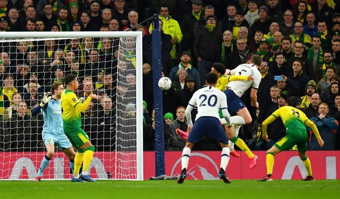 Người nhện thành tội đồ, Tottenham bị loại sốc ở FA Cup - Ảnh 3.