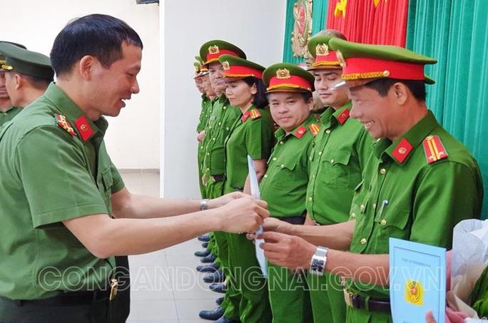 Cách hết chức vụ trong Đảng đối với 3 thượng tá và 1 trung tá công an Đồng Nai - Ảnh 1.