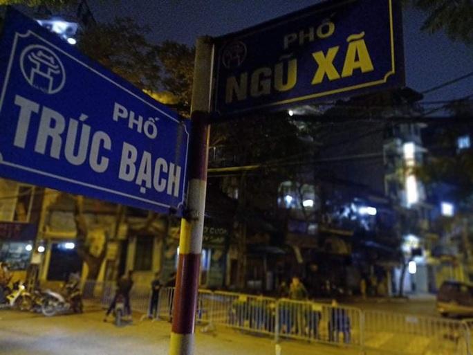 CLIP: Chủ tịch Hà Nội Nguyễn Đức Chung thông báo ca Covid-19 thứ 17 - Ảnh 9.