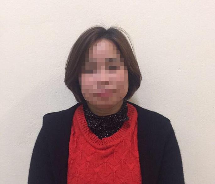 2 phụ nữ 45 và 50 tuổi bán dâm với giá 600.000 đồng/lượt - Ảnh 1.