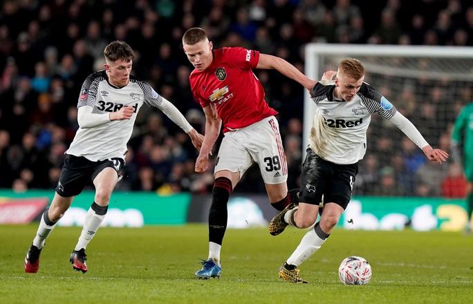 Quật ngã đội bóng của Rooney, Man United vào tứ kết FA Cup - Ảnh 2.
