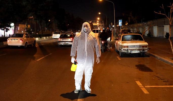 Covid-19: Iran có 21 ca tử vong và 1.076 ca nhiễm trong một ngày - Ảnh 1.