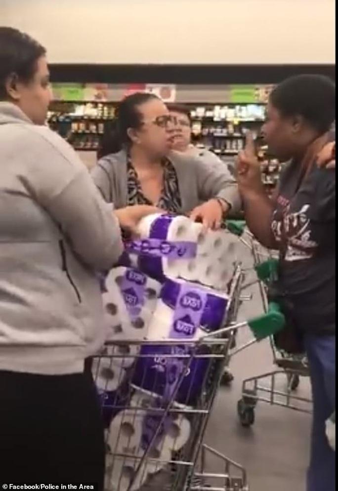 Covid-19: Cướp giấy vệ sinh trong siêu thị tại Úc - Ảnh 1.