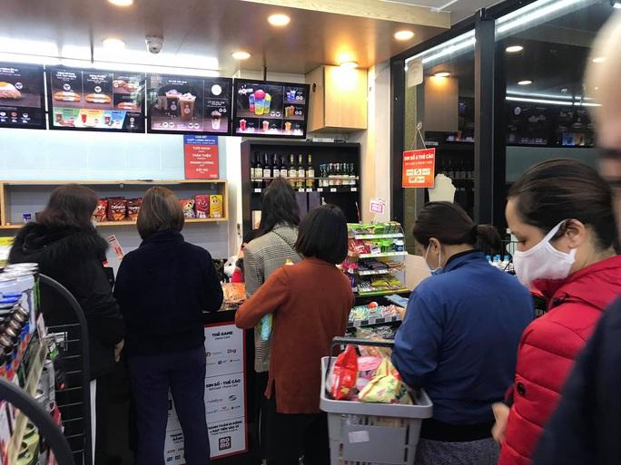 Dịch Covid-19: Các doanh nghiệp ở Hà Nội dự trữ đến 300% hàng hóa - Ảnh 1.