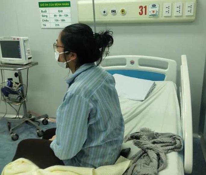 Bộ Y tế lên tiếng về bức ảnh nữ bệnh nhân nguy kịch được cho là cô gái nhiễm Covid-19 ở Hà Nội - Ảnh 2.