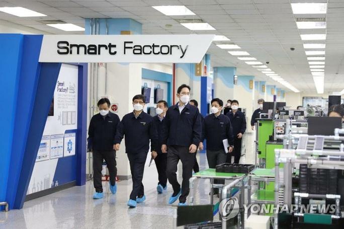 Samsung chuyển sản xuất điện thoại cao cấp sang Việt Nam vì dịch Covid-19 - Ảnh 1.