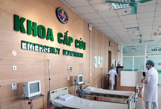 Một bệnh nhân người nước ngoài 69 tuổi mắc Covid-19 phải thở máy - Ảnh 2.