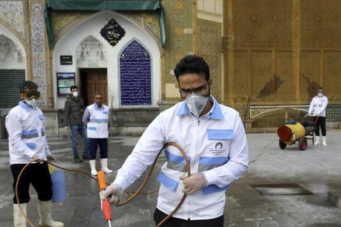 Covid-19: Số ca tử vong và ca nhiễm ở Iran tăng vùn vụt - Ảnh 1.