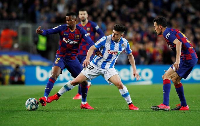 Hậu siêu kinh điển, Barcelona chật vật về đỉnh bảng La Liga - Ảnh 2.