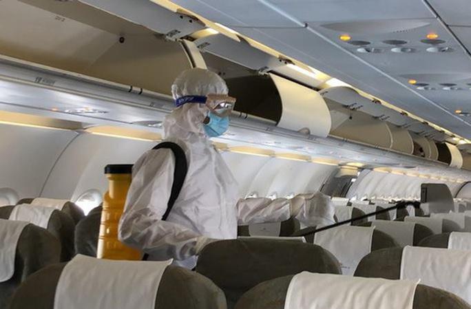 Ca bệnh Covid-19 thứ 31 là người đi trên chuyến bay VN0054 - Ảnh 1.