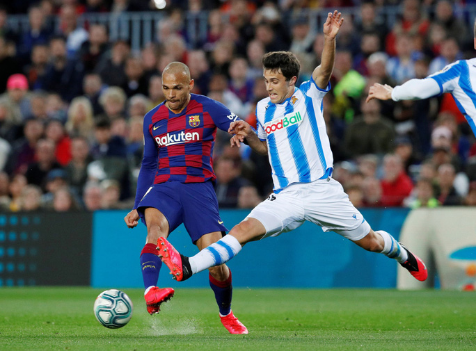 Hậu siêu kinh điển, Barcelona chật vật về đỉnh bảng La Liga - Ảnh 3.