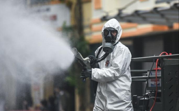 Nóng: Bộ Y tế công bố thêm 8 ca nhiễm Covid-19 là người nước ngoài - Ảnh 1.