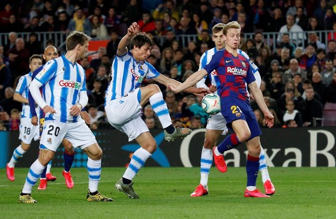 Hậu siêu kinh điển, Barcelona chật vật về đỉnh bảng La Liga - Ảnh 4.