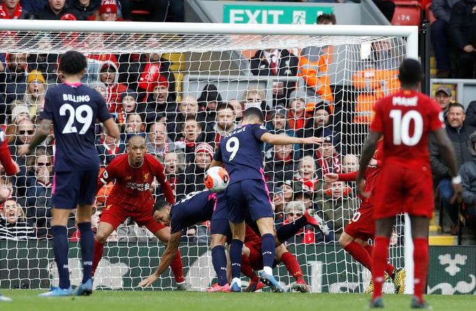 Liverpool giải cơn hạn bàn thắng, sao Ai Cập chạm mốc kỷ lục - Ảnh 5.