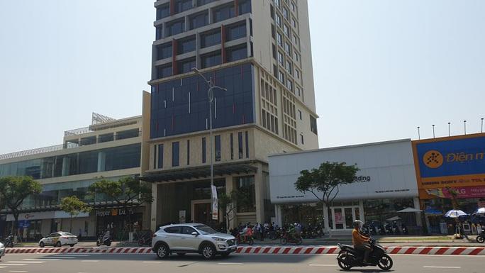 Công bố lộ trình của hai du khách Anh dương tính với Covid-19 tại Đà Nẵng - Ảnh 1.