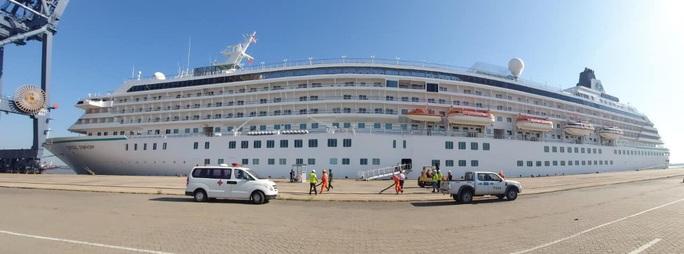 TP HCM cách ly 6 người tiếp xúc với ca mắc Covid-19 trên tàu du lịch ở Quảng Ninh - Ảnh 1.
