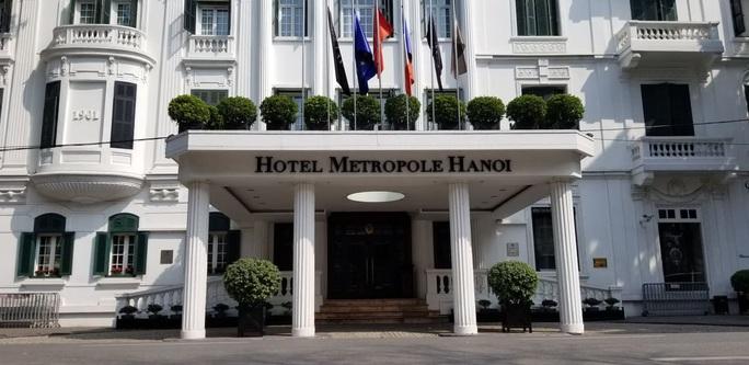 CLIP: Khách sạn 5 sao Metropole cùng nhiều khách sạn hạng sang khác bị rà soát vì Covid-19 - Ảnh 9.