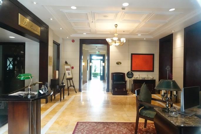 CLIP: Khách sạn 5 sao Metropole cùng nhiều khách sạn hạng sang khác bị rà soát vì Covid-19 - Ảnh 10.