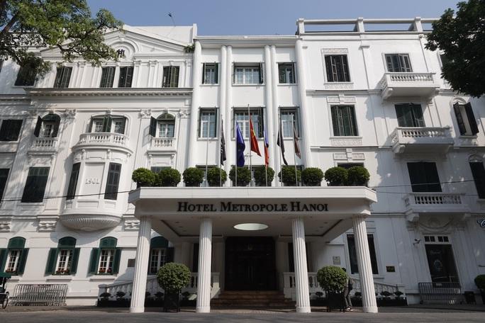 CLIP: Khách sạn 5 sao Metropole cùng nhiều khách sạn hạng sang khác bị rà soát vì Covid-19 - Ảnh 12.
