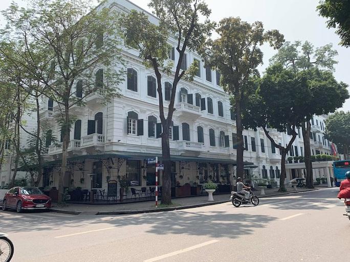 CLIP: Khách sạn 5 sao Metropole cùng nhiều khách sạn hạng sang khác bị rà soát vì Covid-19 - Ảnh 4.