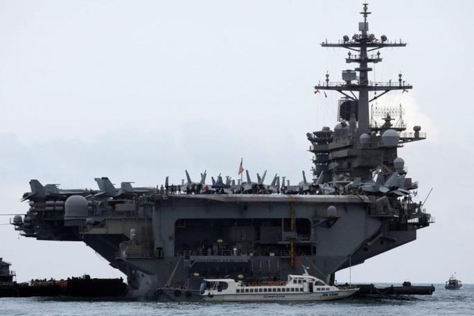 Covid-19: Lời kêu cứu từ tàu sân bay Mỹ - Ảnh 5.
