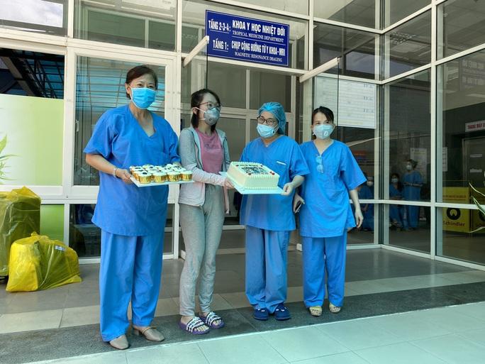 Bệnh nhân cuối cùng xuất viện, Đà Nẵng không còn ca mắc Covid-19 - Ảnh 2.