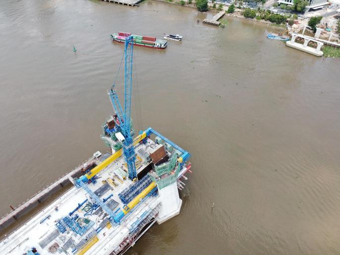 Nhìn từ trên cao, công trình cầu Thủ Thiêm 2 ở TP HCM hiện thế nào? - Ảnh 5.