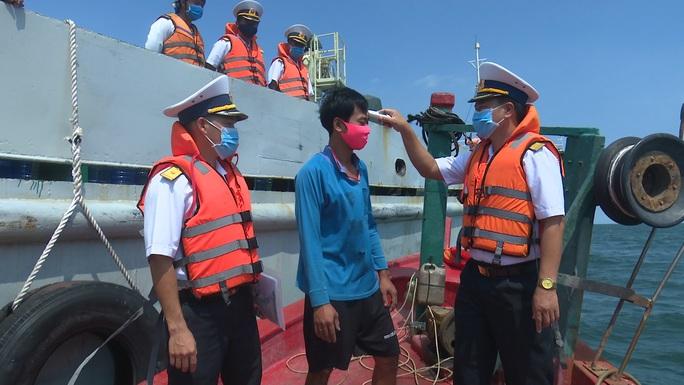 Hàng ngàn hộ dân ở Bạc Liêu và các đảo Tây Nam vui mừng đón nước ngọt - Ảnh 10.