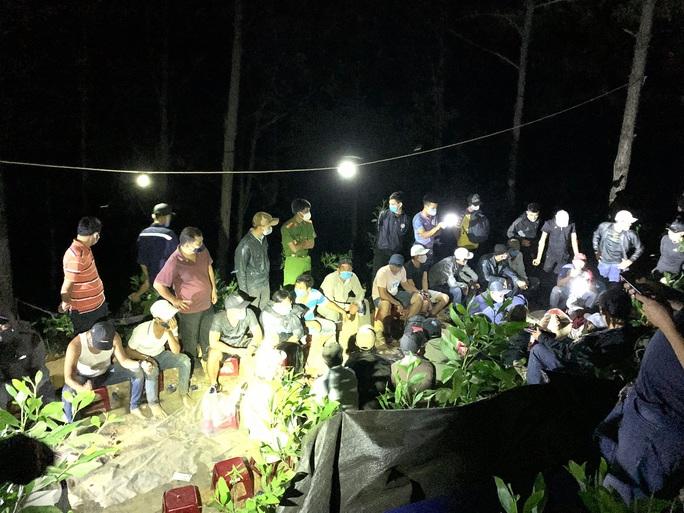 Vụ phá sòng bạc khủng ở Quảng Nam: Tạm giữ hình sự 18 đối tượng - Ảnh 1.