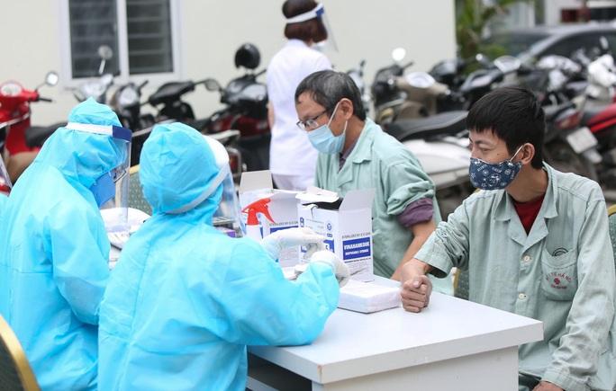 Xét nghiệm toàn bộ y bác sĩ, bệnh nhân Bệnh viện thận Hà Nội liên quan đến ca Covid-19 số 254 - Ảnh 7.