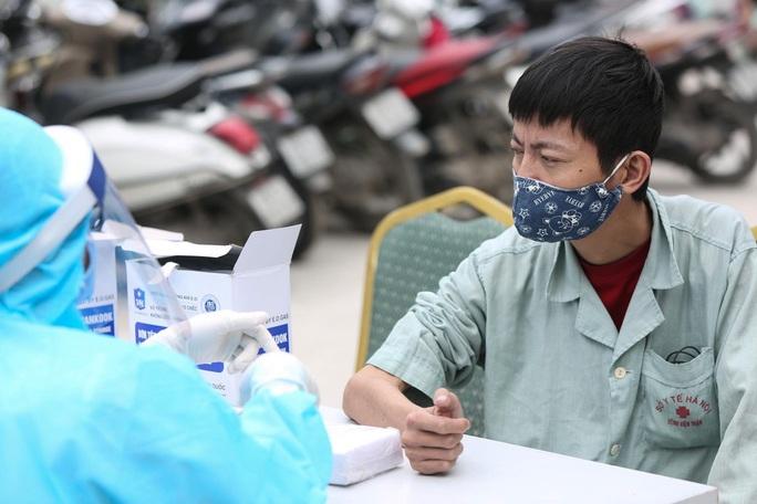 Xét nghiệm toàn bộ y bác sĩ, bệnh nhân Bệnh viện thận Hà Nội liên quan đến ca Covid-19 số 254 - Ảnh 12.