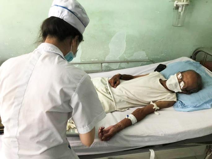 Kép độc Chấn Đạt cấp cứu vì bệnh tim, phổi nguy kịch - Ảnh 1.