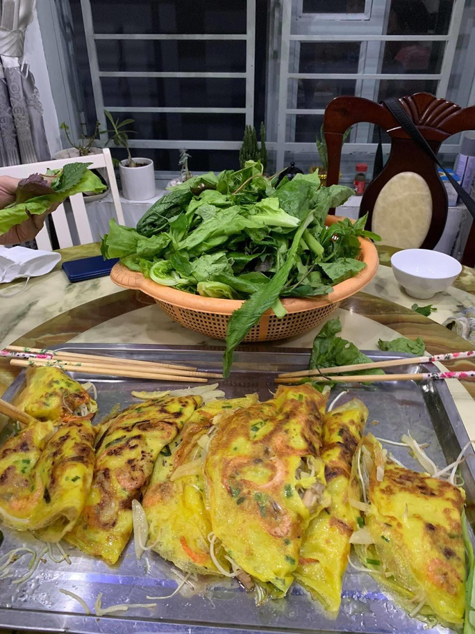 Kim Tử Long, Kim Tiểu Long bày cách nấu ăn, ca vọng cổ hot tặng khán giả - Ảnh 2.