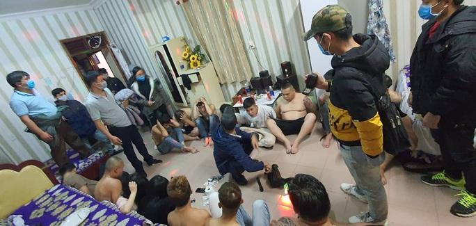 Hàng chục người thuê khách sạn phê ma túy giữa đại dịch ở Đà Lạt - Ảnh 2.