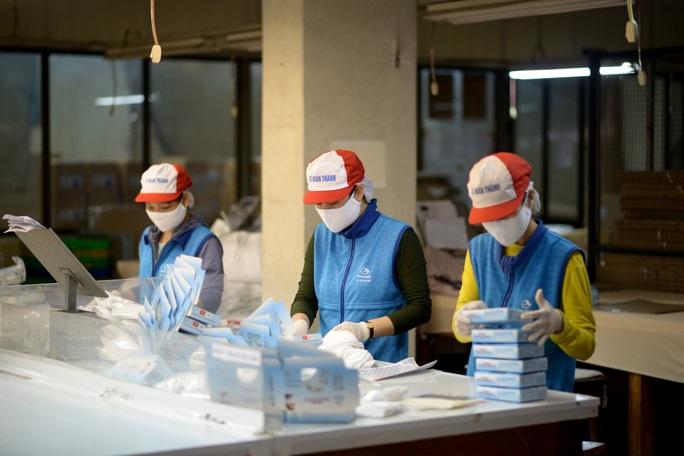 Sản xuất 200 triệu khẩu trang/tháng, doanh nghiệp cần thận trọng khi đầu tư xuất khẩu - Ảnh 1.