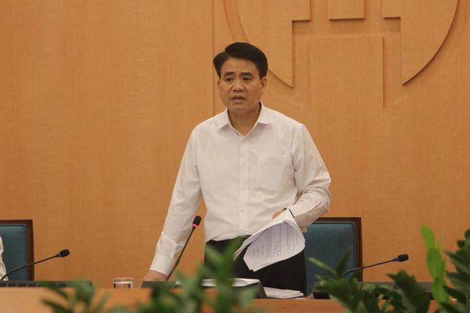 Chủ tịch Hà Nội: Hàng trăm y bác sĩ Bệnh viện Bạch Mai hát hò trông rất phản cảm - Ảnh 1.