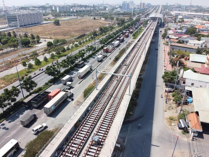Xem video tàu metro Bến Thành - Suối Tiên vận hành thử - Ảnh 3.