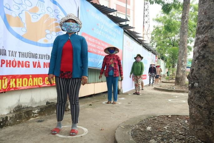 ATM gạo liên tục tuôn chảy giữa những ngày khó khăn - Ảnh 4.