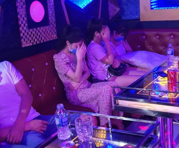 Quảng Nam: Lại phát hiện chơi ma túy trong quán karaoke - Ảnh 1.
