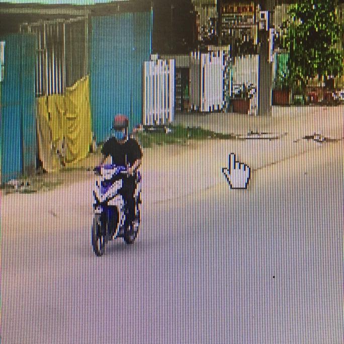 TP HCM: Bắt nóng kẻ cướp giật ở tiệm vàng Ánh Hằng - Ảnh 2.