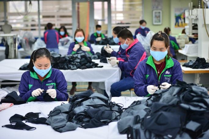 Hàng loạt đơn hàng bị huỷ, doanh nghiệp dệt may lao đao trong dịch Covid-19 - Ảnh 1.