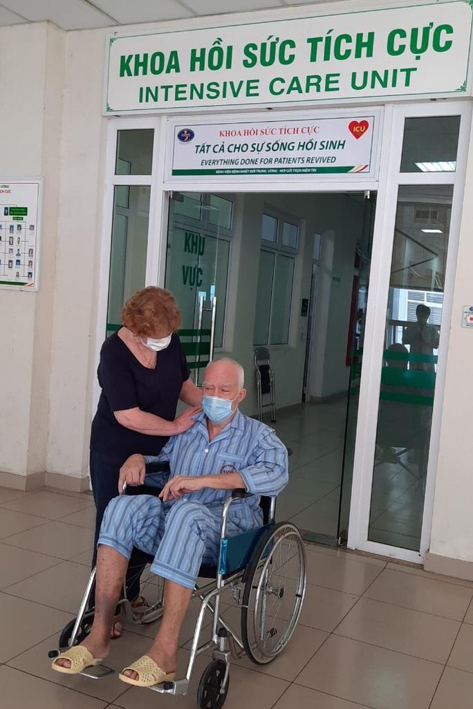 Bệnh nhân Covid-19 3 lần ngừng tuần hoàn hiện đã hồi tỉnh và nói chuyện - Ảnh 2.
