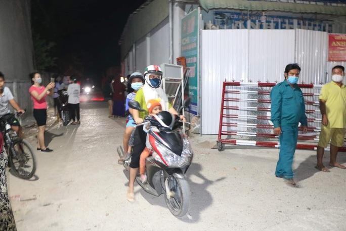 Ninh Thuận: Thôn Văn Lâm 3 tràn niềm vui khi được tháo dỡ phong tỏa - Ảnh 3.